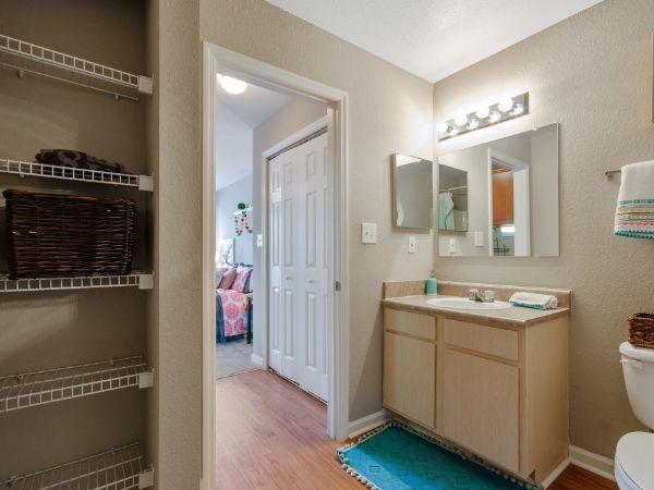 dwell Tenn Street Apartments