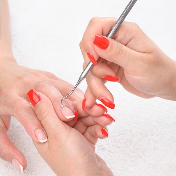 Natural Nails & Lashes